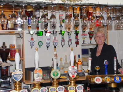 The Falcon Inn - Denham - The bar